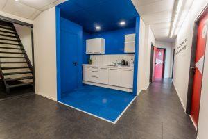Blauwe keuken bij Lessons4you